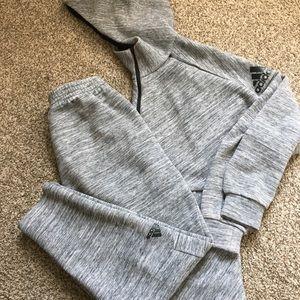 Adidas sweatsuit (2 piece)